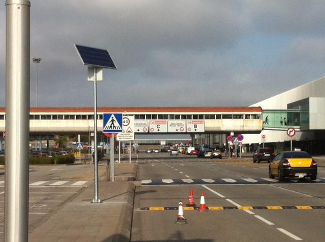 Badén Reductor de Velocidad en Aeropuerto de Barcelona - Imagen 1