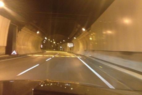 Substitución de reductores de velocidad de caucho en el Túnel de La Rovira de Barcelona