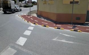 Instalación de separadores viales Ecobam SPV en el carril bici de El Ejido (Almería)