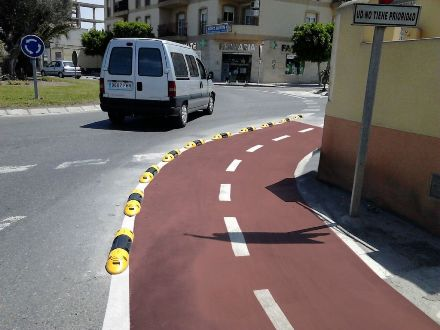 Instalación de tramo de carril bici en El Ejido - Imagen 4