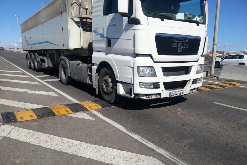 Badenes Reductores de Velocidad Ecobam RDV en el Puerto de Tarragona